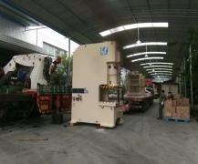 工厂重型设备搬运