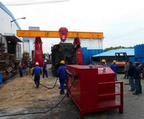 贵州重庆工厂搬迁液压龙门吊吊装注塑机